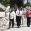 La directrice générale de l'UNESCO, Irina Bokova lors de sa visite en Haïti après le séisme.