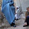 Un vieil homme afghan victime de la pauvreté.