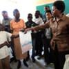 La Vice Secrétaire général Asha-Rose Migiro lors d'une visite en Haïti.