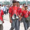 Des partisans maoïstes lors d'une manifestation à Katmandou en juin 2006.