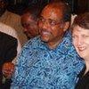 La chef du PNUD, Helen Clark, avec le Directeur d'ONUSIDA, Michel Sidibé, lors d'une visite au Mali.