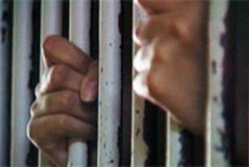 В тюрьмах и других исправительных учреждениях США, в частности в штате Коннектикут, довольно часто прибегают к длительному содержанию заключенных в одиночной камере