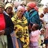 Des femmes et des enfants au Lesotho.