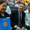 Former refugees get Viet Nam citizenship document