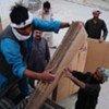 Des employés électoraux en Afghanistan préparant le scrutin législatif du 18 septembre 2010.
