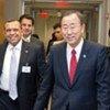 Le Secrétaire général Ban Ki-moon et le Président du Honduras, Porfirio Lobo.