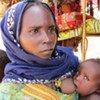 Une femme tchadienne et ses enfants.