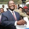 Alassane Ouattara, Président de Côte d'Ivoire lors du vote pour l'élection présidentielle en 2010.