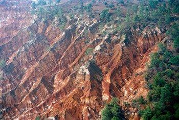 La erosión es una de las principales amenazas para los suelos de América Latina identificadas por la FAO en un nuevo estudio. Foto: ONU