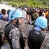 Des Casques bleus au siège de l'ONUCI à Abidjan.