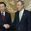 Secretary-General Ban Ki-mon (right) and President Lee Myung Bak of the Republic of Korea (file)