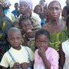 Des femmes et des enfants ivoiriens réfugiés au Libéria.
