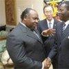 Les Présidents Ali Bongo Ondimba du Gabon (à gauche), Teodoro Obiang Nguema Mbasogo de Guinée Equatoriale, et le Secrétaire général Ban Ki-moon (au centre).