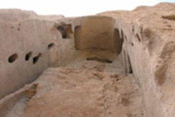 अफ़ग़ानिस्तान की बामियान घाटी में पुरातत्व अवशेष.
