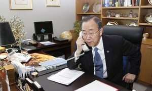 Secretary-General Ban Ki-moon speaks on the telephone [file photo].