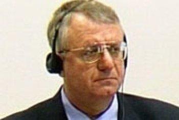Воислав Шешель в Трибунале ООН