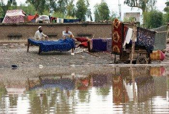 Des millions de personnes ont perdu leur maison après les inondations dévastatrices au Pakistan en 2010.