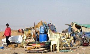 Les biens de milliers de Sud-Soudanais qui attendent de retourner chez eux alors que l'indépendance va être déclarée le 9 juillet 2011.