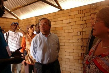 UNHCR chief António Guterres (centre) during a recent visit to Ifo II camp extension at Dadaab, Kenya