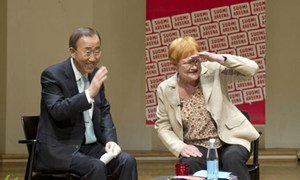 Secretary-General Ban Ki-moon (left) and President Tarja Halonen of Finland participate in forum on sustainable development