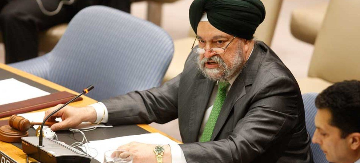 Ambassador Hardeep Singh Puri (India), President of the Security Council for August 2011, chairs the Council meeting on the situation in Syria