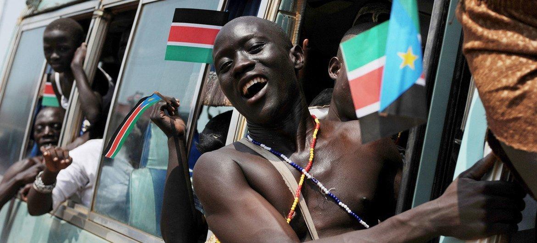 南苏丹人庆祝建国