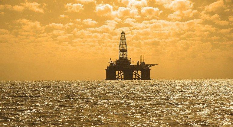 ВОЗ изучает вопрос о риске развития рака у работников нефтяной промышленности