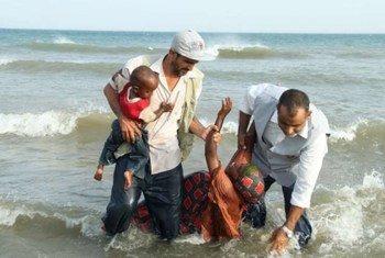 La Société pour la solidarité humanitaire patrouille la côte yéménite pour aider les gens qui traversent le Golfe d'Aden.