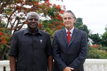 President Ernest Bai Koroma of Sierra Leone and Michael von der Schulenburg, Head of the UN Integrated Peacebuilding Office in Sierra Leone