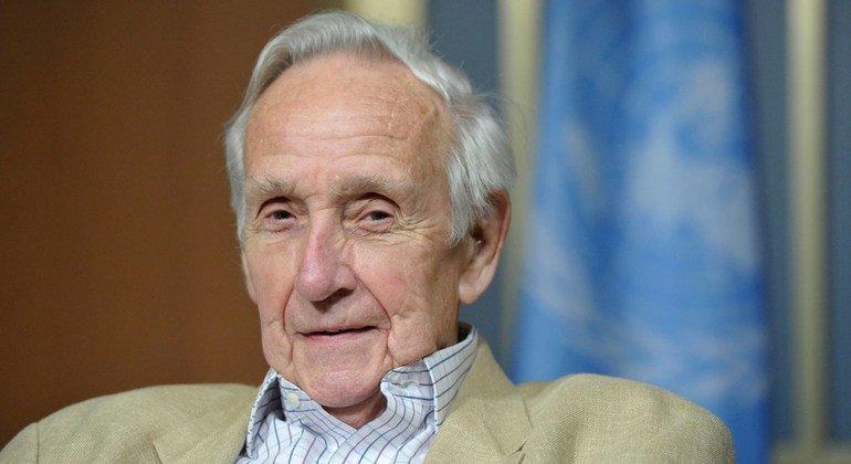 यूएन के पुरोधा राजनयिक सर ब्रायन अर्कहार्ट का निधन, वैश्विक श्रद्धांजलि