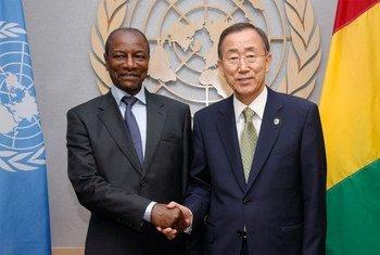 Le Secrétaire général Ban Ki-moon avec le Présisdent de ka République de Guinée Alpha Condé (Sep 2011). Photo ONU/Paulo Filgueiras