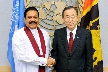 Secretary-General Ban Ki-moon with Mahinda Rajapaksa, President of Sri Lanka (file photo)