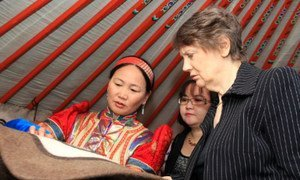 UNDP Administrator Helen Clark (right) with a felt processing entrepreneur who is part of the Enterprise Mongolia project
