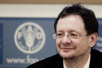 FAO Assistant Director-General for Natural Resources Alexander Mueller