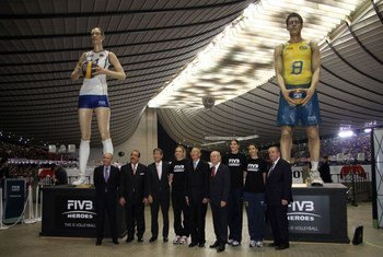 UN Special Adviser on Sport for Development and Peace, Wilfried Lemke with FIVB officials and players after signing  agreement in Tokyo