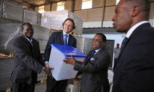 L'ONUCI a apporté un appui logistique aux élections en Côte d'Ivoire.