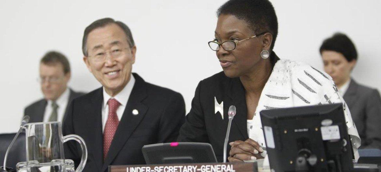 Le Secrétaire général de l'ONU Ban Ki-moon et la chef de l'humanitaire des Nations Unies, Valerie Amos