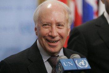Matthew Nimetz, Personal Envoy of the Secretary-General for the talks between Greece and the former Yugoslav Republic of Macedonia.