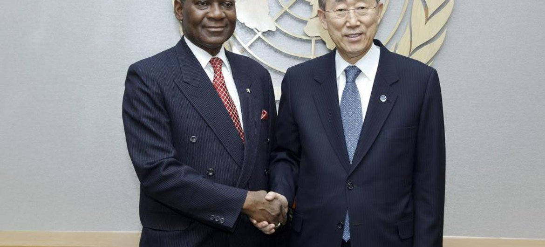 Secretary-General Ban Ki-moon (right) meets with Foreign Minister Olugbenga Ashiru of Nigeria: