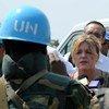 La Représentante spéciale du Secrétaire général pour le Soudan du Sud, Hilde Johnson (au centre). Photo MINUSS/Isaac Gideon