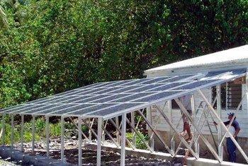 Des panneaux solaires. Photo PNUD