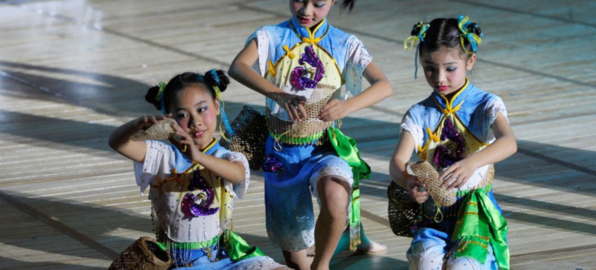 Young dancers from Guangdong Province performed at UN Headquarters to celebrate China's intangible cultural heritage and ring in the Year of the Dragon.