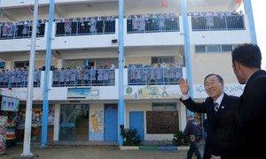 Secretary-General Ban Ki-moon  visits an UNRWA-run school for girls Khan Younis, southern Gaza.