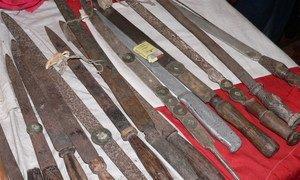 Des couteaux utilisés pour des mutilations génitales au Sierra Leone. Photo IRIN/Bryna Hallam
