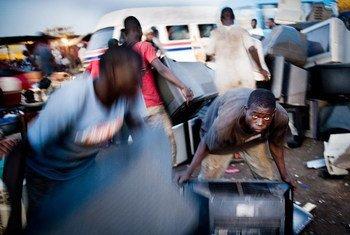 La consommation domestique est le principal contributeur aux déchets électroniques en Afrique.