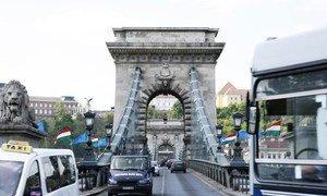 Un pont sur le Danube. Photo ONU/Paulo Filgueiras