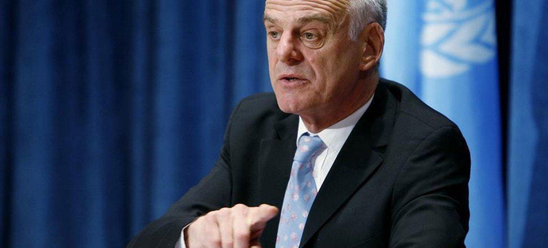 David Nabarro en la sede de la ONU.  Foto de archivo:  ONU/Mark Garten