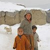 Los niños refugiados son vulnerables a las difíciles condiciones en invierno en Afganistán. Foto: IRIN/M. Popal