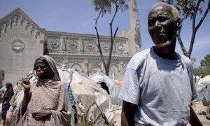 Des Somaliens à Mogadiscio en août 2011. Photo UNHCR/S. Modola