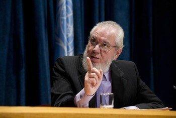 Le Directeur général de l'OIT, Juan Somavia. Photo ONU/Evan Schneider